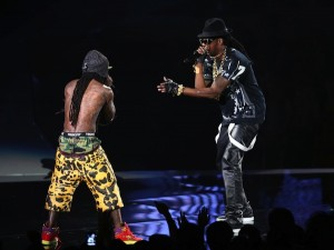 Live Performance: 2 Chainz and Lil Wayne perform 'Yuck' and 'No Worries' VMA's 2012